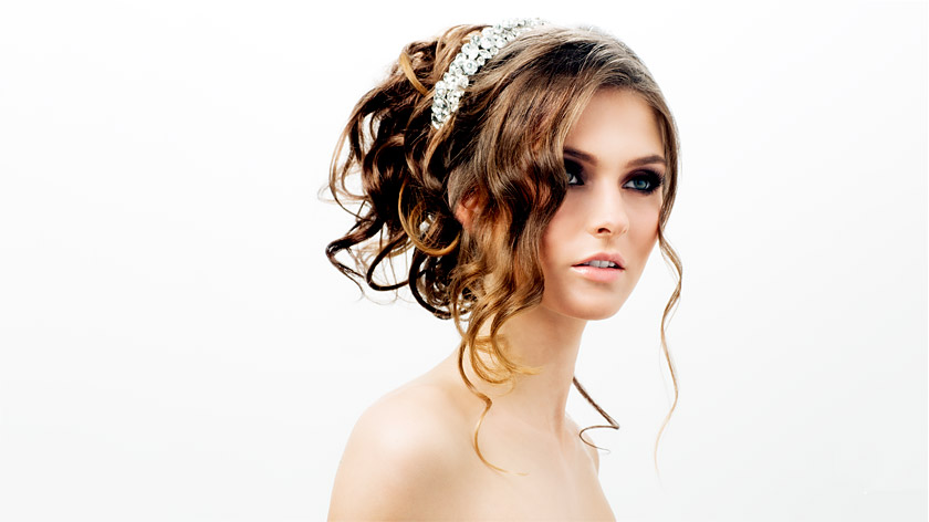 Find out how to delight your bridal and prom clients with Michel Zeytoun's soft curls updo >>>